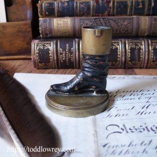 ヴィクトリアンの小さなジョッキーブーツ / Antique Miniature Cold Painted Horse Jockey Boot Stand