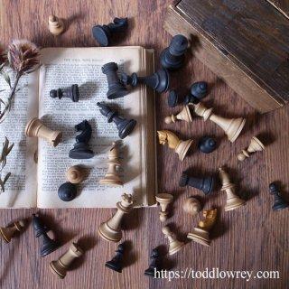 人生の側の責任/ Antique Stanton Style Chessmen with Box