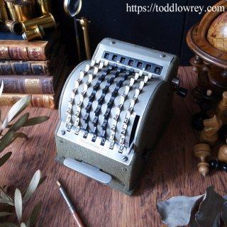 歯車の電卓でスローライフしよう / Antique West German Desktop Mechanical Toothed-wheel Calculator