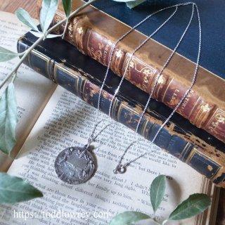 ヴァチカンの聖年の扉をくぐる時 / Antique Medal with Silver Chain