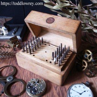 小宇宙に挑む時計職人のツール / Antique German Watchmaker Staking Tool Set