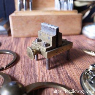 バランスを見る4本脚の時計職人ツール / Antique German Watchmaker Poising Tool