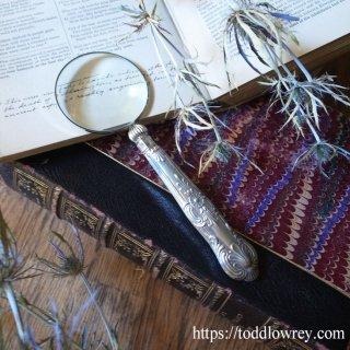 華やかな銀のハンドルをもつ拡大鏡 / Antique Sterling Silver Handle Magnifying Glass 1934