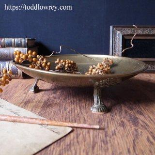 三本脚の頼れるボウル / Antique Footed Brass Flat Bowl