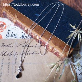 トリケトラと魔除けの石 /Vintage Sterling Silver Celtic Style Onyx Pendant