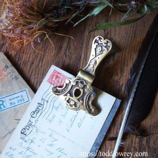 ロココのモチーフで手紙を留めよう/ Antique Victorian Brass Letter Clip