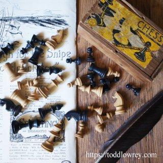 99%の戦略/ Antique Stanton Style Chessmen with Box