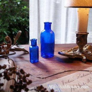 窓辺に青い空を並べよう / Antique Deep Blue Bottle Set of 2