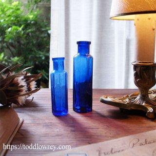 蒼い八角形を愛でる / Antique Deep Blue Octagonal Bottle Set of 2