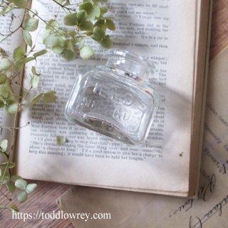 透明でころんとしたインク瓶はいかが/Antique Glass Bottle