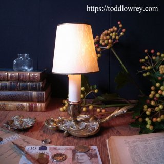 クラシカルで格調高い小さな灯 / Vintage Brass Table Lamp with Shade-2