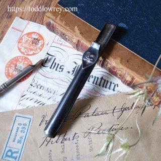 マービー・トッド社の白鳥を胸に / Antique Pen Holder