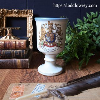 1977年、エリザベス女王戴冠25周年を祝う / Vintage Queen Elizabeth II Silver Jubilee Stoneware Goblets 1977