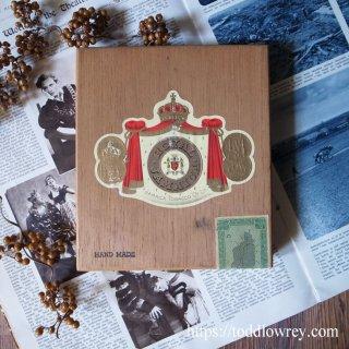 遥かカリブ海の島からきた木箱 / Vintage Wooden Cigar Box ROYAL JAMAICA