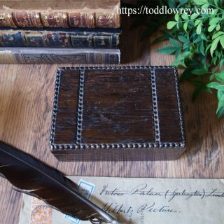 オークの小箱に何を仕舞おう / Antique Oak Table Cigarette Box