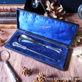 ヴィクトリアンもお洒落は足元から/ Antique Sterling Silver Shoe Horn & Button Hook in Original Case