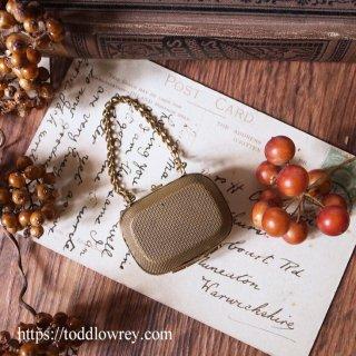 真鍮で編み上げた小さなケース / Antique Brass Small Coin Purse