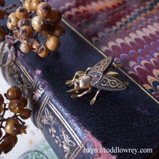ダマスキナードを纏う蠅の王 / Vintage Damasquinado Fly Brooch