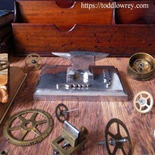 ドイツ時計職人の金床 / Antique Watchmaker's Anvil