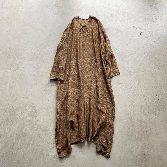 TOWAVASE  Sarasa dress camel(2021AW)