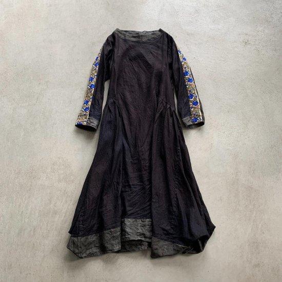 HALLELUJAH  羊飼い刺繍ローブCharcoal Indigo (2021AW)