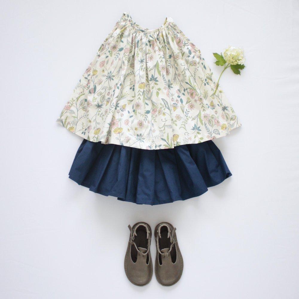Gather blouse flower
