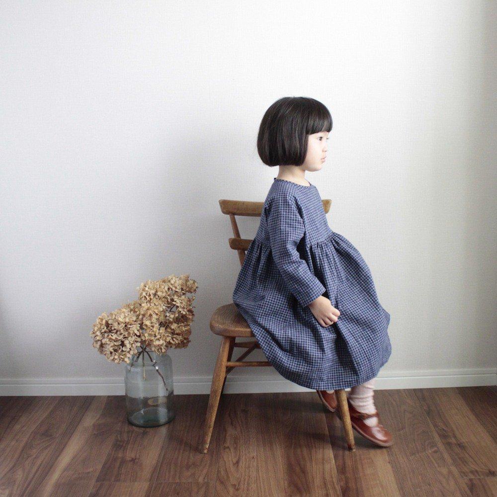 Raglan sleeve dress (Graph check)