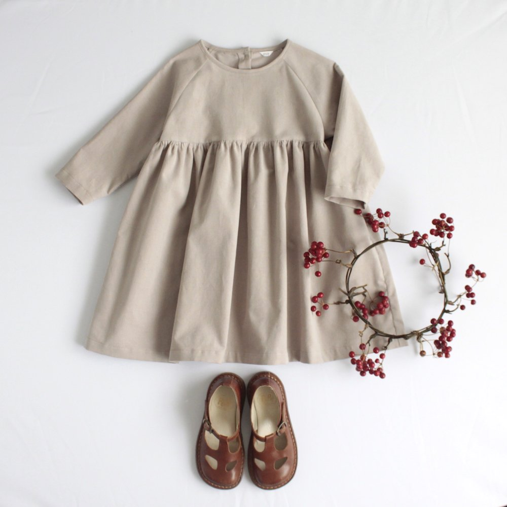 Raglan sleeve dress (Corduroy)
