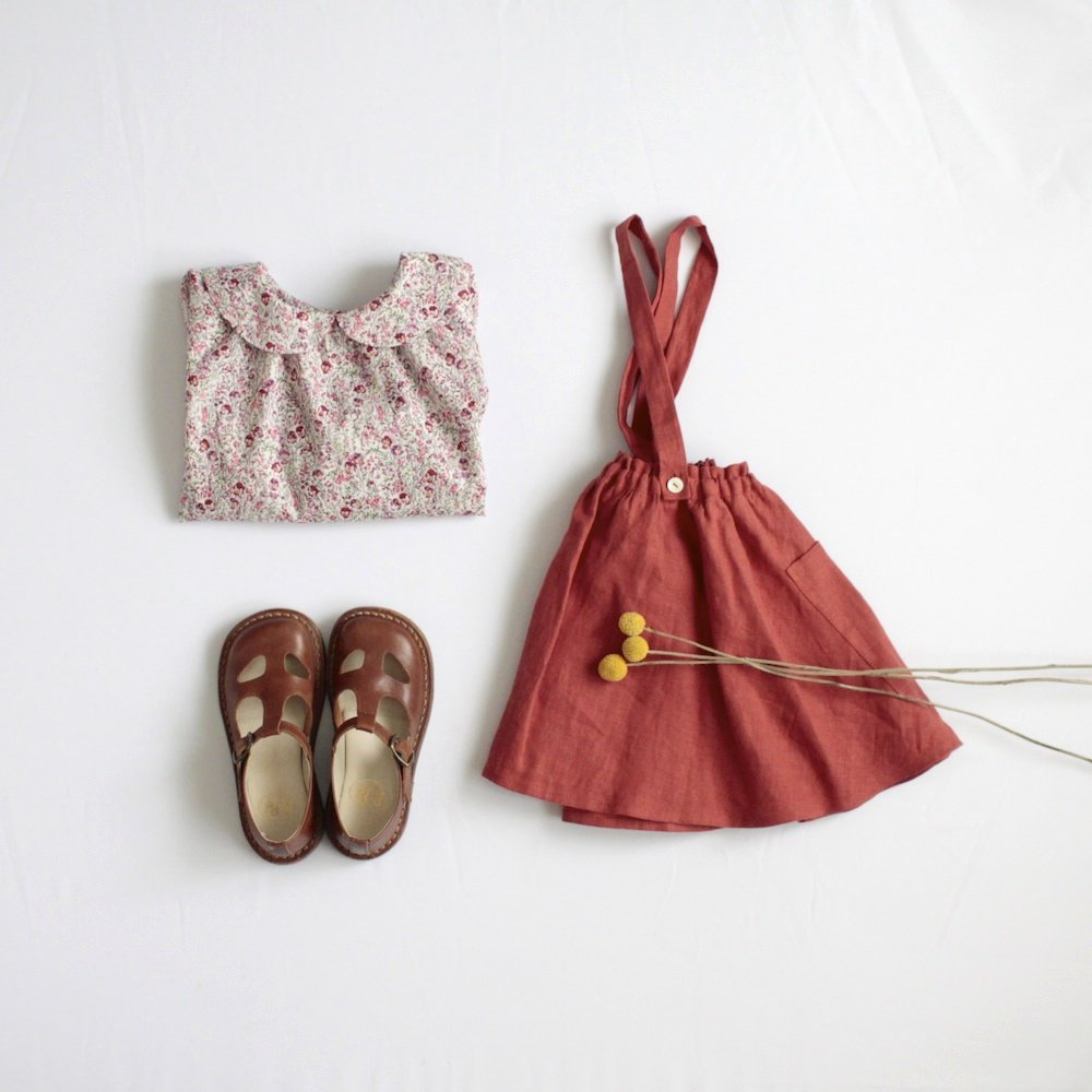 Round collar blouse (Berry)