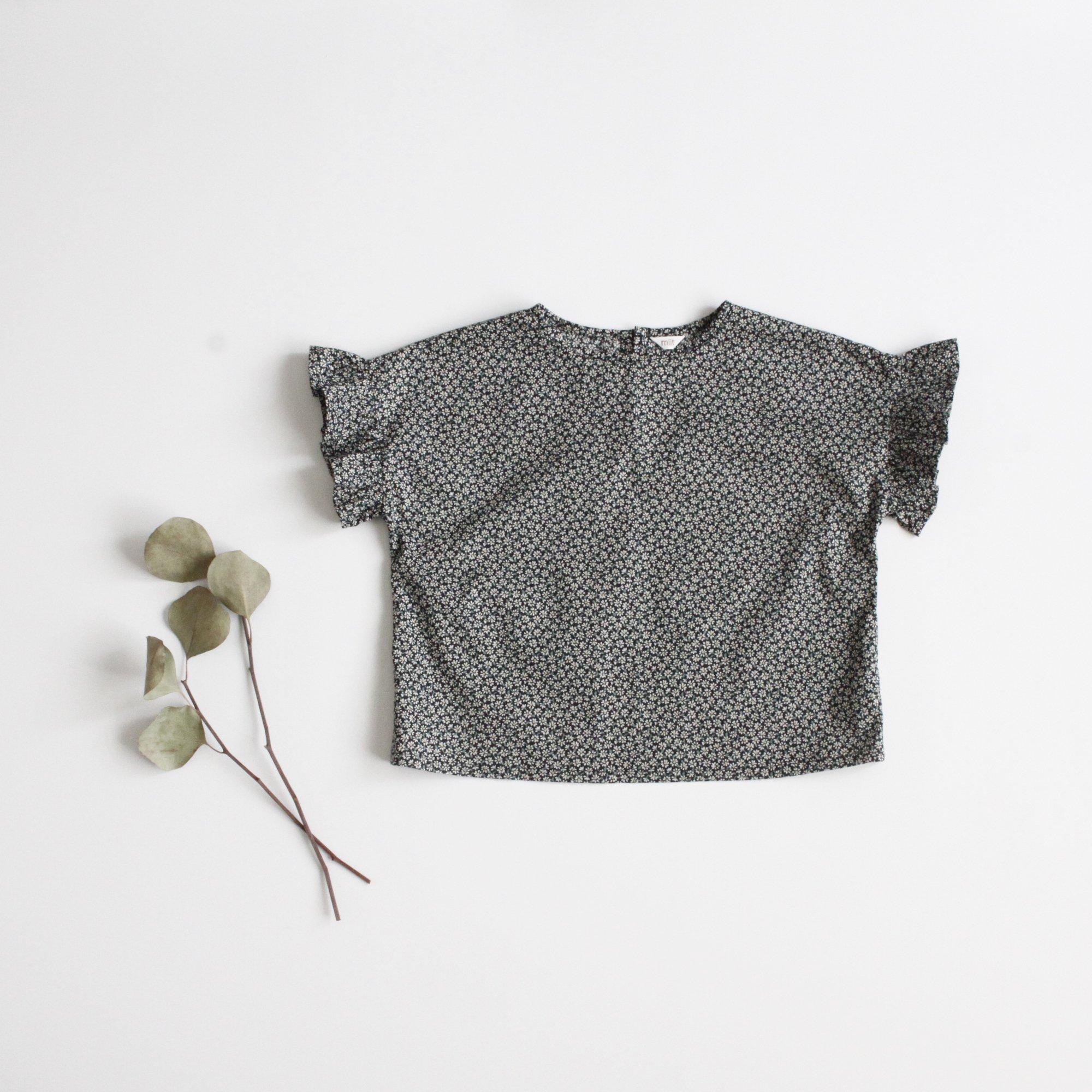 Frill sleeve blouse 100