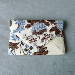 手描きジャワ更紗 Reisia 数寄屋袋 「プカロンガンの蝶」白