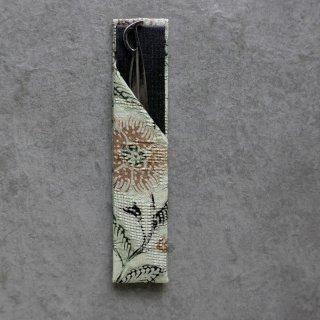 「Eddy An Batik 」  手描きジャワ更紗  楊枝入れ  薄ミント花[笹形楊枝付き]