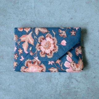 手描きジャワ更紗 Reisia 数寄屋袋 「プカロンガンの花」