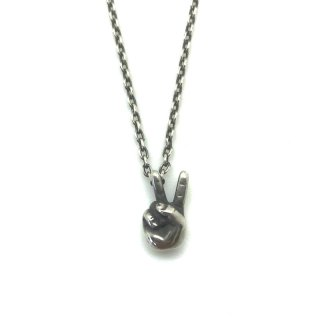 <img class='new_mark_img1' src='https://img.shop-pro.jp/img/new/icons13.gif' style='border:none;display:inline;margin:0px;padding:0px;width:auto;' />V Sign Necklace (SILVER)/VIN'S ビンズ