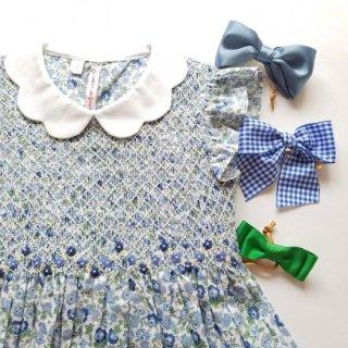 小シミ有。イタリア♪Les enfants de Giseleジゼル♪オーガニックコットン♪ブルー小花柄♪プチバタフライスリーブ♪スモッキングワンピース3A