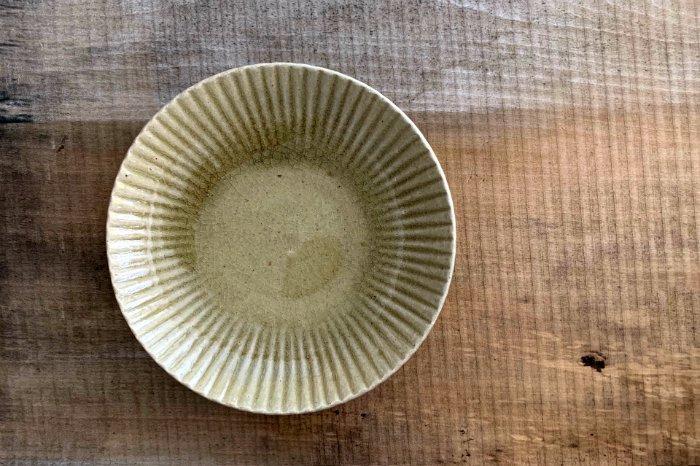 まる菊6寸皿/オリーブ たくまポタリー