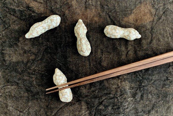 ピーナッツ箸置き 遠藤素子