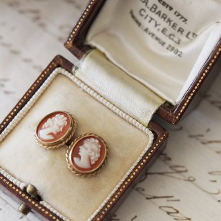 9K Oval Shell Cameo Pierced earrings