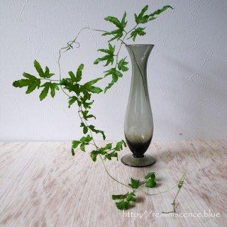 ドイツの黒く深い森色をしたグラスベース/Vintage Glass Vase from Hallstatt