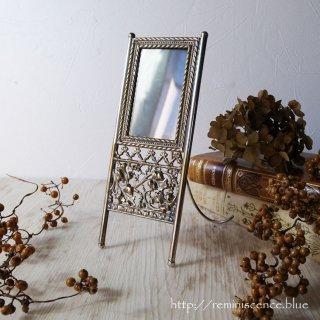 貴婦人が愛した儚げなきらめき / Antique Pierced Caved Photo Frame