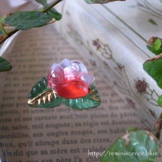可憐な薔薇を愛でる / Vintage Glass Button