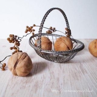軽やかに編み上げて /Vintage Small Wire Basket
