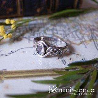 ケルティックノットを指に嵌めて /  Vintage Starling Silver Celtic Knot Ring