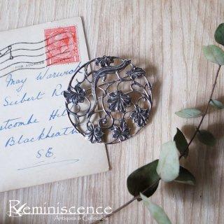 小さなトカゲのかくれんぼ / Vintage Sterling Silver Lizard & Leaf Brooch