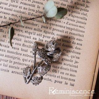 控えめに輝く一輪の薔薇 / Vintage Marcasite Rose Brooch