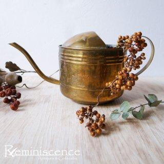 黄金色の水瓶 / Antique Brass Watering Can