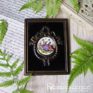 雅な宮廷画をミニアチュールで愉しむ / Antique Miniature Watteau Plaques with Brass Garland Frame -Song