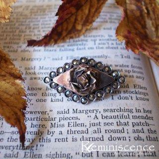菱形におさまる一輪の薔薇 / Antique Marcasite Brooch Rose Motief