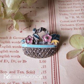 小さな春を運ぶ花籠 / Vintage Sterling Silver Marcasite Brooch