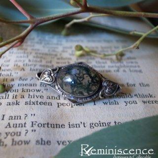 大自然を内に秘めた石に酔う / Antique Moss Agate & Sterling Silver Brooch